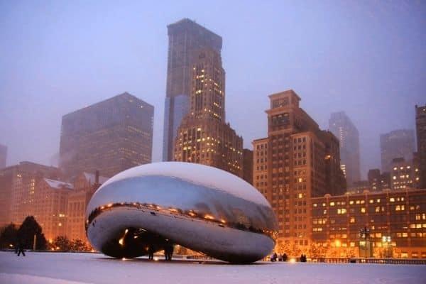 The Bean Scultpture in Millenium Park, at night. Chicago, Illinois